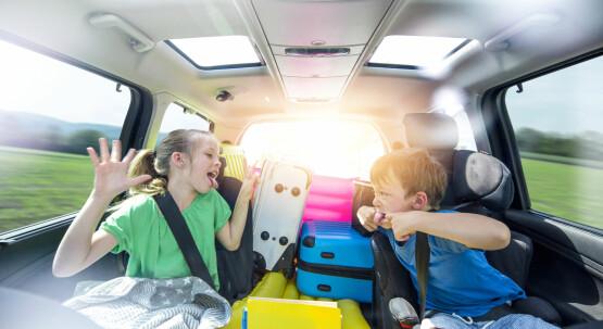 Kinder und Beifahrer sicher transportieren