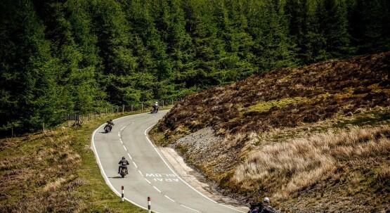 Auf zwei Rädern auf Tour: Hochsaison für Motorradfans