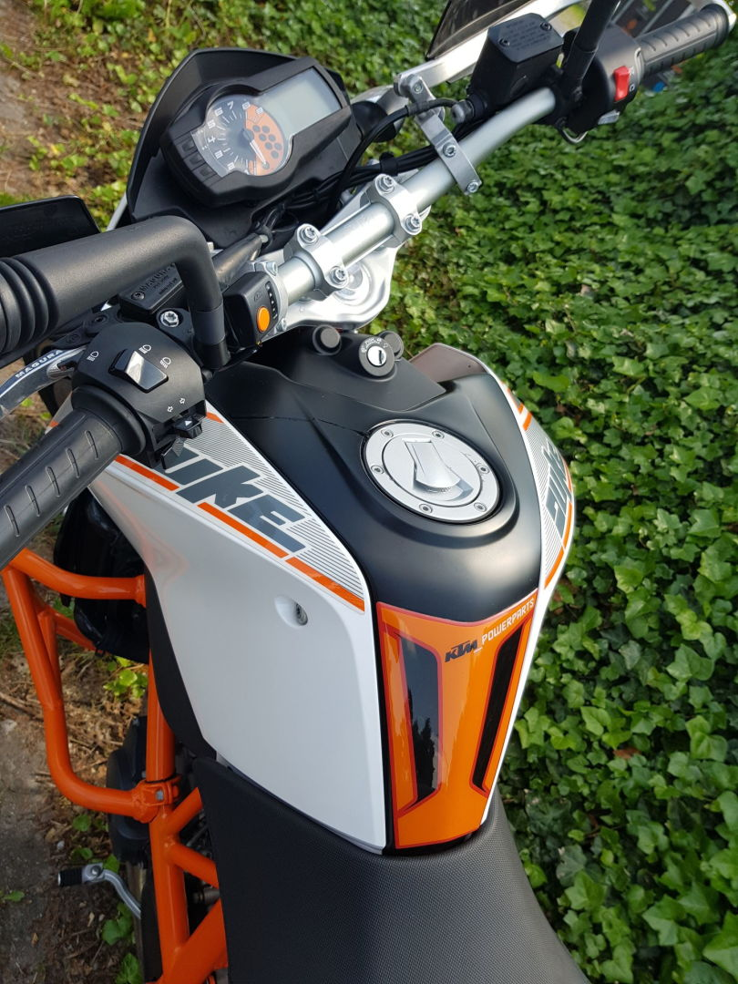 KTM Duke690