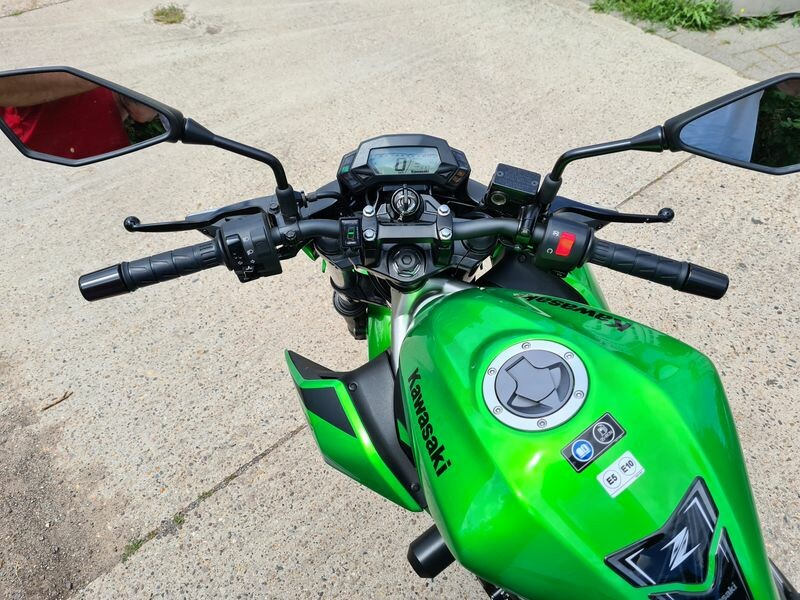Kawasaki 125er mit ABS
