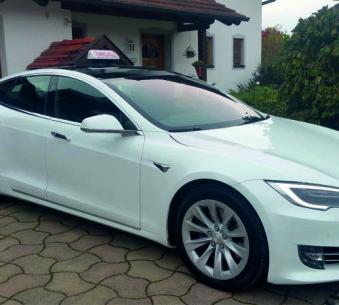 Tesla S75D Elektroauto