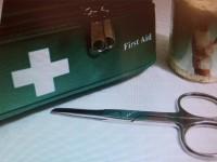 1. Hilfe-Kurs mit Passfotos und Sehtest