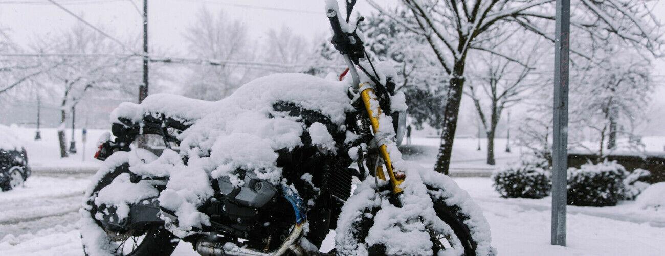 Motorrad Schnee